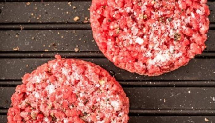Как правильно оттаивать мороженое мясо перед приготовлением