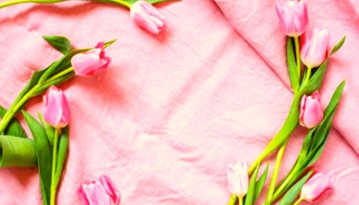 Постель с цветами