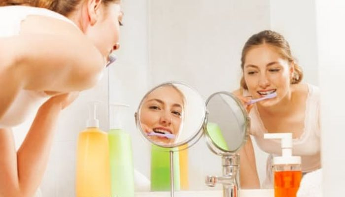 Как чистить зубы зубным порошком