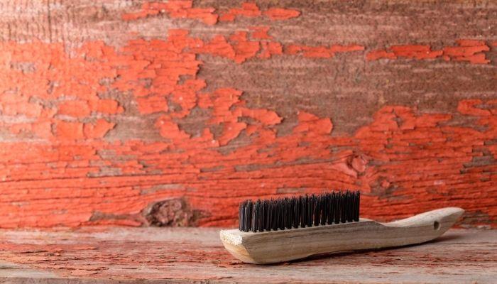 Очистка железной щеткой